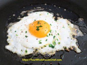 Keto Fried Eggs with Marjoram